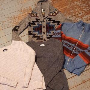 4 Xtra small women's sweaters